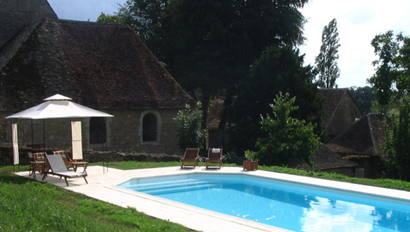 View of the swimming pool, and the Chartreuse of Belle Fontaine